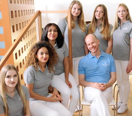 Freundliches Praxis-Team bei Dermatologie im Zentrum