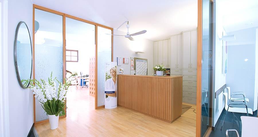 Eingang zu unserer Hautarztpraxis in München